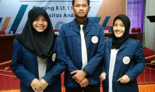 DELEGATES FROM SOCIOLOGY DEPARTMENT OF UNAIR HONE THEIR SKILLS IN NATIONAL DEBATE COMPETITION