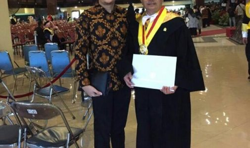 Criticizing Medical Regime, Septi Ariadi Achieved Doctoral Degree as well as Deepening Expertise in the Field of Sociology of Health
