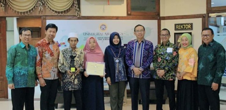 Having Achieved a Myriad of Accomplishments, Nur Syamsiyah Received a Special Award from the Rector of Airlangga University